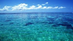 Tahiti-Crystal-Clear-Sea-Water-623732